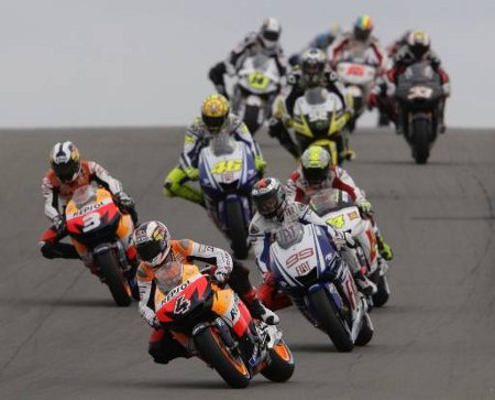 Di awal balapan, sejumlah pembalap melakukan start dengan baik. Valentino Rossi, Toni Elias, Jorge Lorenzo dan Andrea Dovizioso bergantian mengisi posisi terdepan