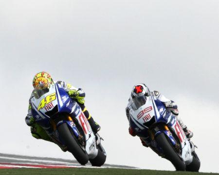 Rossi dan Lorenzo, duel seru di lap-lap terakhir